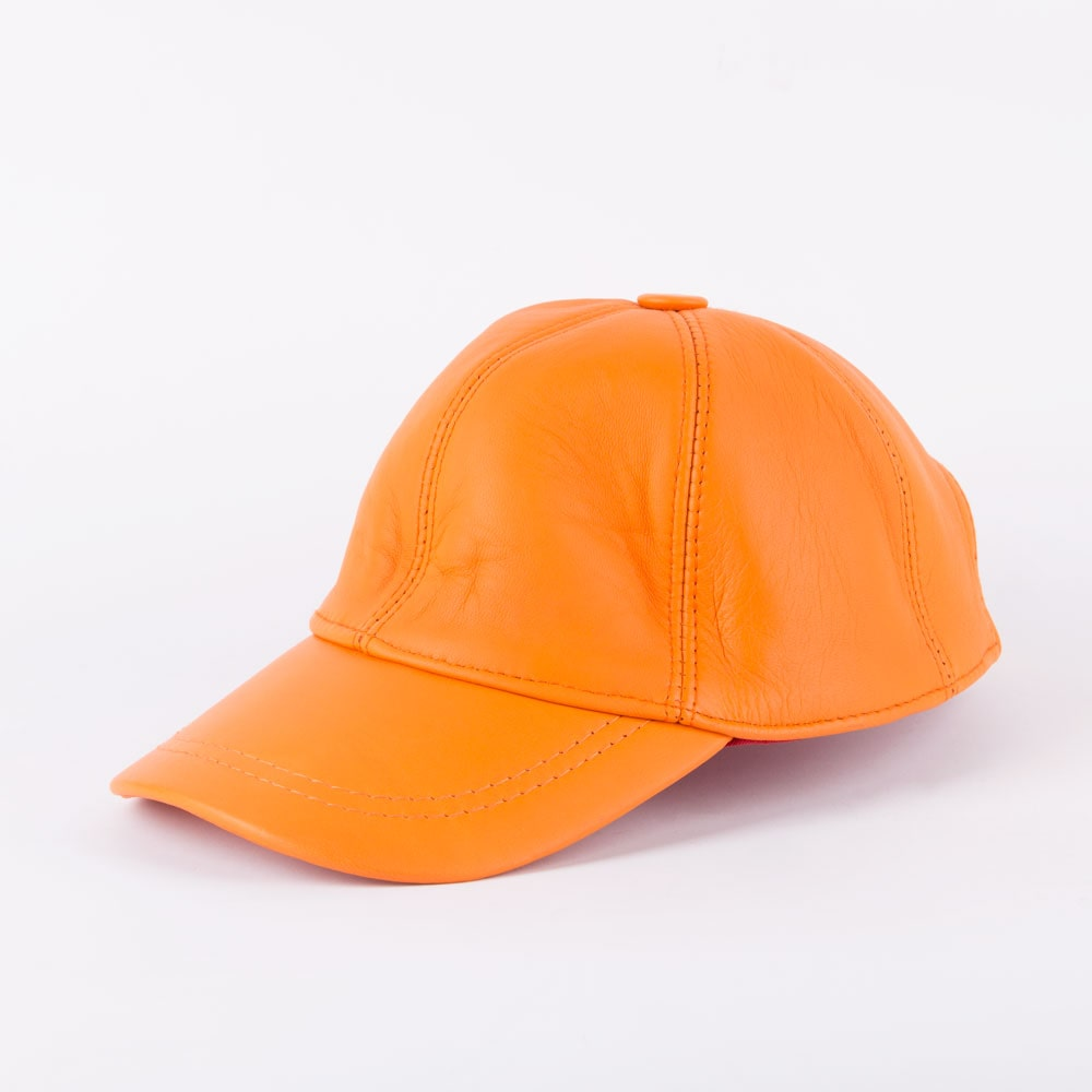 کلاه لبه دار چرم